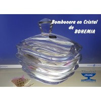 BOMBONERA  DE CRISTAL DE BOHEMIA ESPECIAL